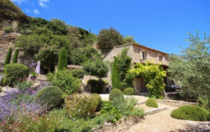 Gordes villa rental
